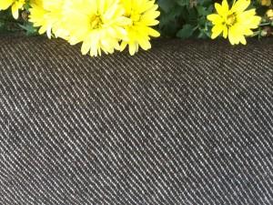 Wifling, der Tweed Tirols. Aus Schafwolle und Flachs hergestellt überlebte er meist jene Personen, die ihn am Körper getragen hatten.