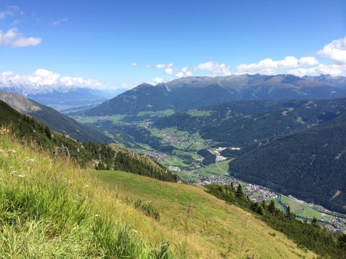 Der Blick vom Kreuzjoch in Richtung Innsbruck