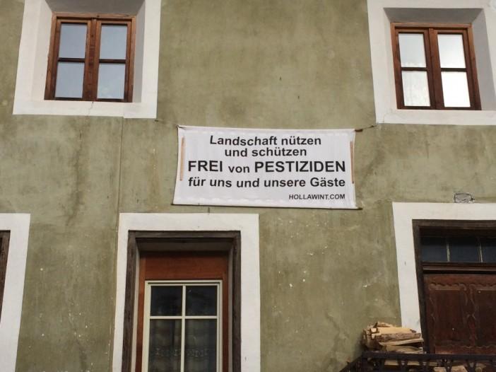 Die Malser_innen wollen keine Pestizidverseuchung auf ihrem Gemeindegrund. Das haben sie demokratisch entschieden.