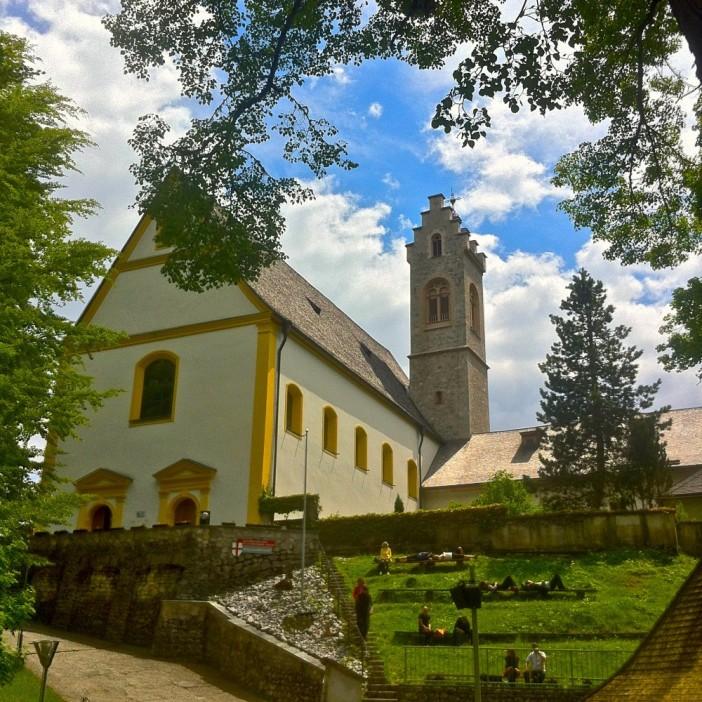 Eine Perle der Volksfrömigkeit: Die Wallfahrtskirche zu St. Georgenberg.