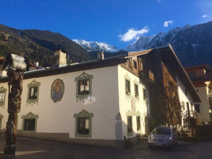 Das Dorfzentrum von Ötz gehört sicher zu den schönsten Zentren Tirols.