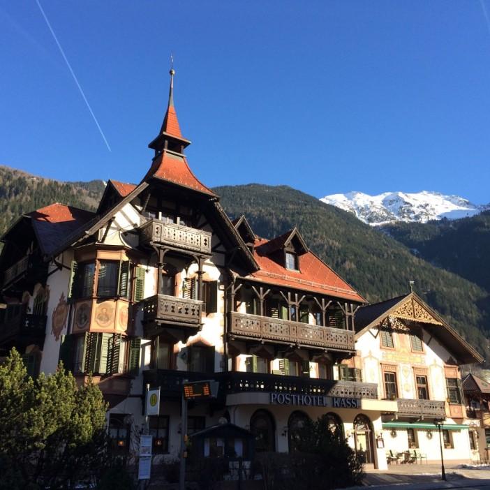 Das Hotel Kassels im Dorfzentrum von Ötz. Gediegene Gastlichkeit seit 150 Jahren