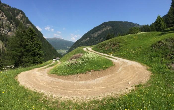 Der Weg vom Brennersee nach Padaun 'schlängelt' sich im wahrsten Sinn des Wortes nach oben.