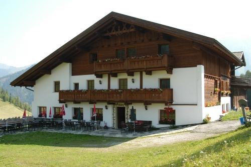Das Gasthaus Steckholzer in Padaun: Urlaub am Bauernhof und Schmankerln vom eigenen Hof. Wenn das kein Versprechen ist. Bild: www.padaun.at