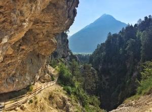 Der Blick auf den alles überragenden Tschirgant. Den heiligen Berg des Oberlandes.