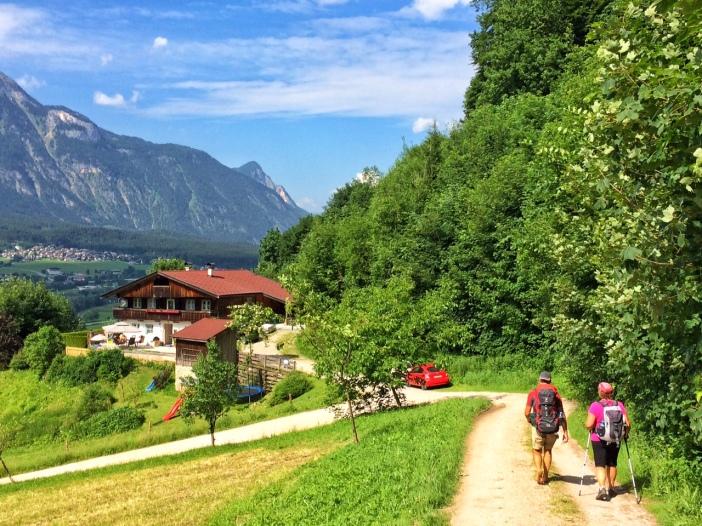 Der Abstieg von der Rottenburg nach Rotholz.