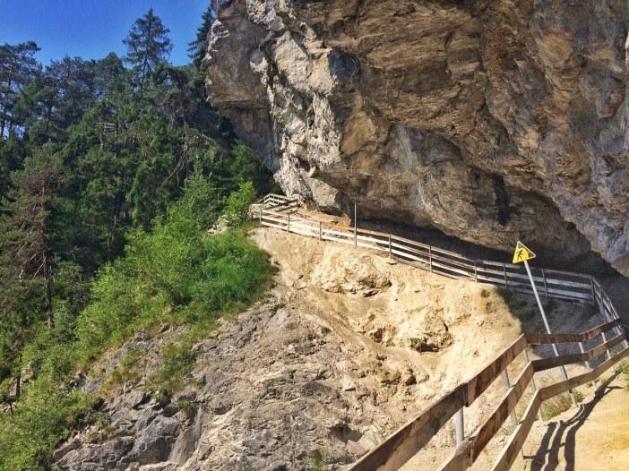 Eine Expedition in die Rosengartenschlucht ist auch immer eine Reise durch die geologische Vergangenheit.