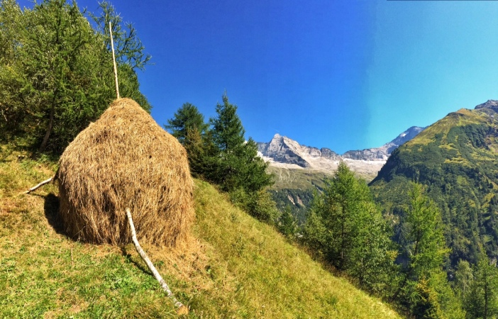 Ein Schober auf den Bergmähdern im Hinteren Valsertal