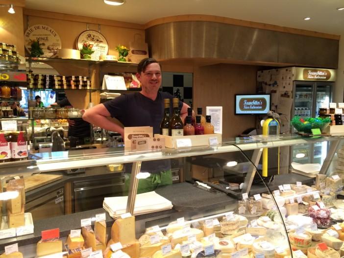 Er darf stolz auf sein 'Kulinarium' sein Stefan Kranebitter, Käse-Sommelier