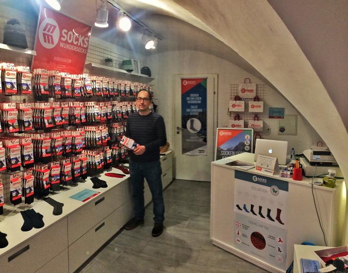 Das kleine aber feine Geschäft für Wundersocken in der Innsbrucker Kiebachgasse.