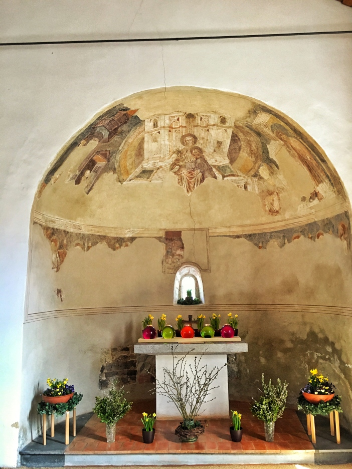 Der uralte Chor der Laurentius-Kirche am Imster Bergl