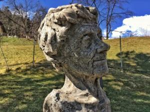 Die Büste von Astrid Lindgren von Christian Moschen im Skulpturenpark bei der Pestkapelle