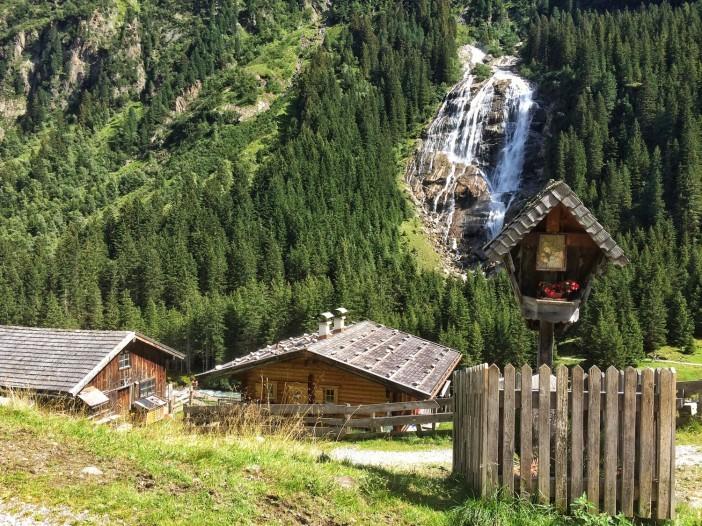 Der GRAWA-Wasserfall im Stubai. Der immer noch wenig bekannte wunderbare Wasserfall bereichert die 111 Orte.