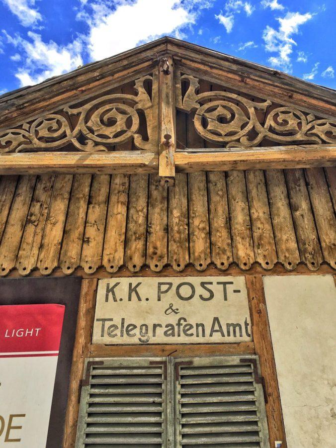 Wie ein Zeitfenster in die Vergangenheit: das K.K. Post- Telegrafenamt Hochfinstermünz.