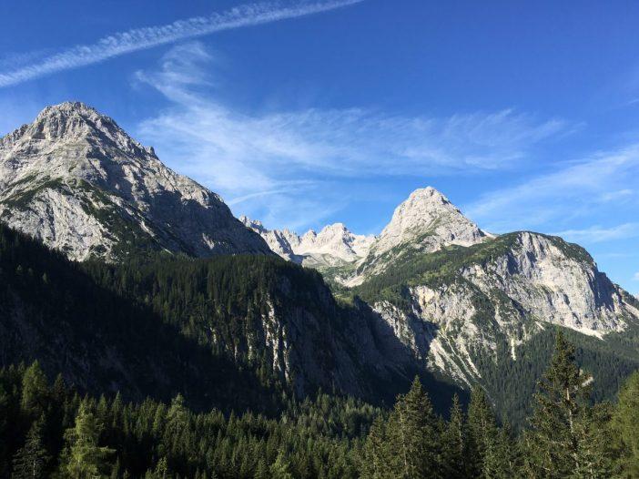 Die Berge der Mieminger Kette im Morgenlicht