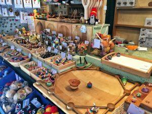 Ein Tipp für Eltern mit Kleinkindern: der Marktstand der Kreiselmanufaktur am Christkindlmarkt.