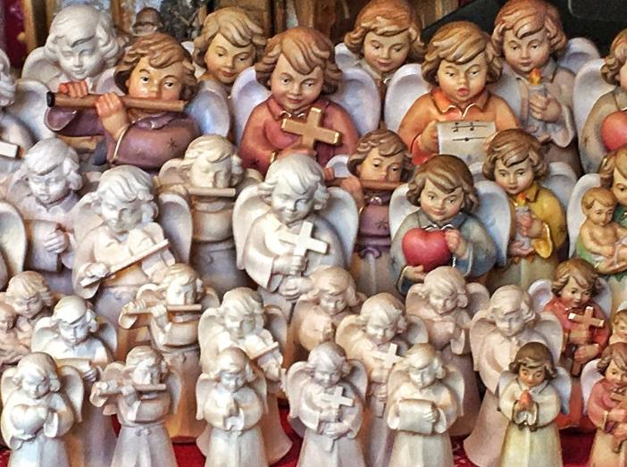 Die himmlischen Heerscharen sind bereit für einen Auftritt in der guten Stube.