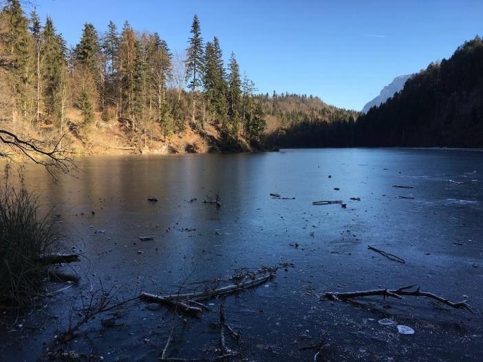Der zugefrorene Längsee