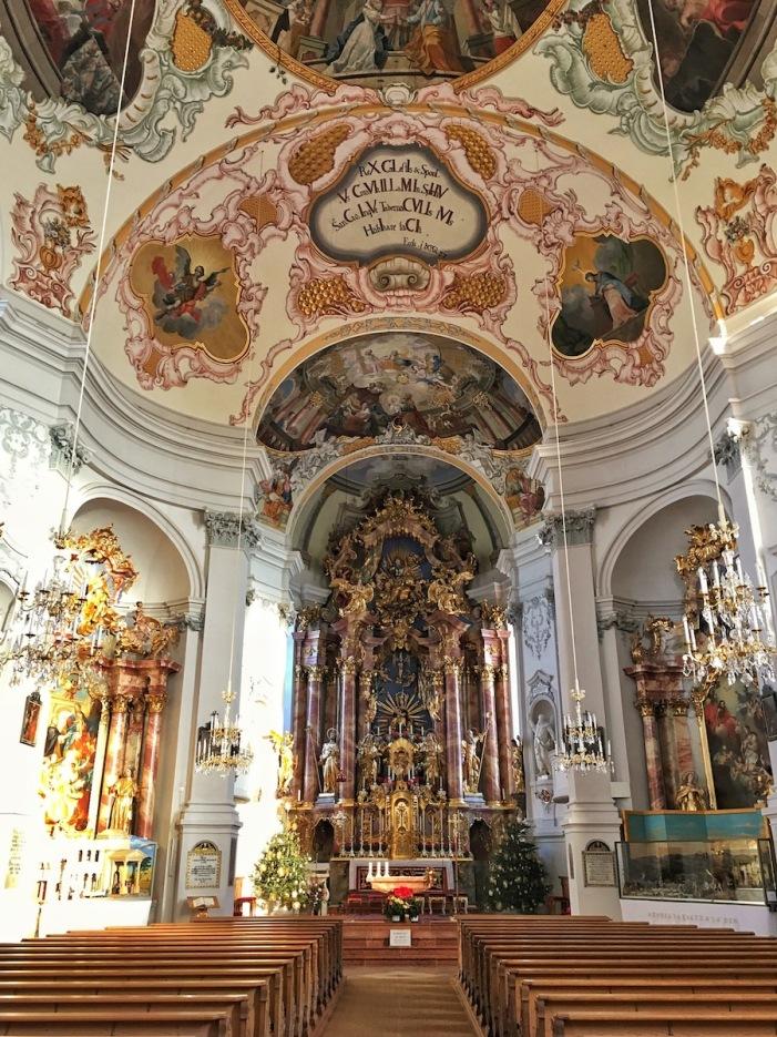 Der wunderschöne, barock gestaltete Innenraum der Kirche zu Ebbs.