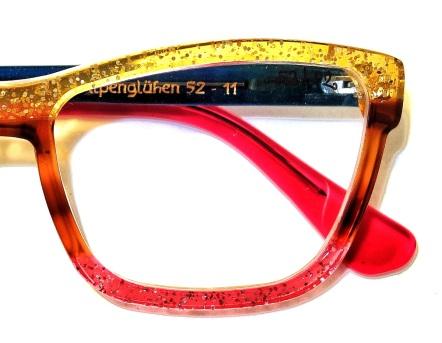 Das Modell Alpenglühen: drei Farben, eine Brille.