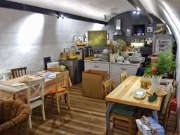 Die Bistro-Küche des Teesalons. Hier zaubert Traude Horvath feine Gerichte für die Gäste.