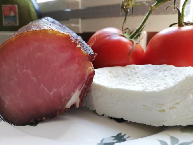 Käse und Speck vom BIO-Kreizigerhof