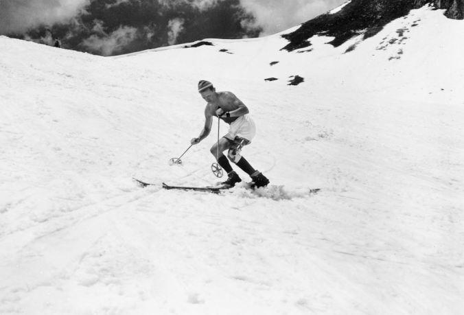 Skifahrender GI auf der Seegrube