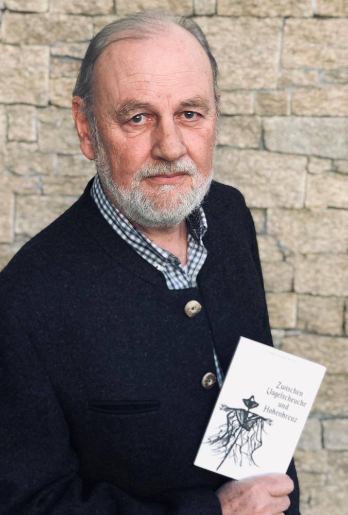 Autor Christian Pittl, Buch Vogelscheuche Hakenkreuz