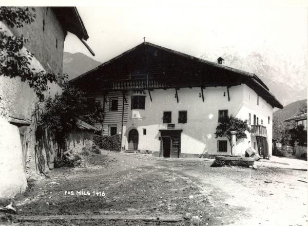 Schiachlhof Dorf-Chronik-Mils